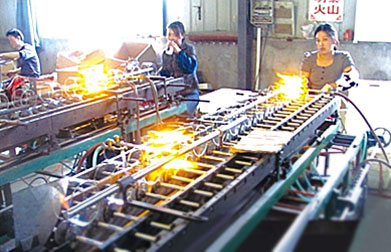 In glass industry and quartz glass processing